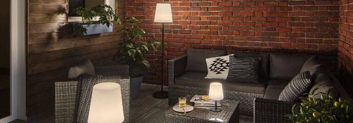 Terrassenbeleuchtung durch Stehlampen